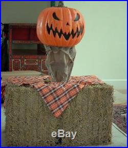 2.5 Ft Hay Bale Popper Animatronic practically new