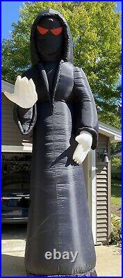 Gemmy Airblown Halloween Inflatable 16ft Reaper/Phantom