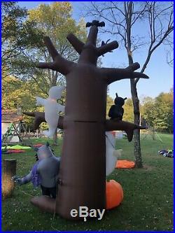 Gemmy Airblown Inflatable 14ft Lightsync Ghostly Tree Halloween Owl Werewolf Bat