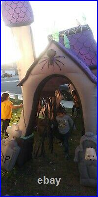Gemmy Airblown Inflatable 17' Ft Halloween Haunted House With Lights And Sounds