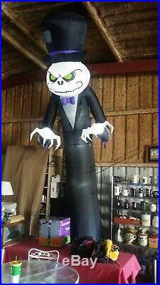 Gemmy Halloween Airblown Inflatable Colossal Pumpkin Skeleton Reaper 16' Blow Up