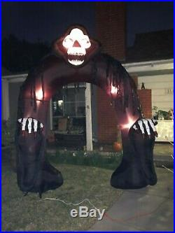 Gemmy Halloween Lighted Skeleton Reaper Airblown 9ft Inflatable Archway w Sound