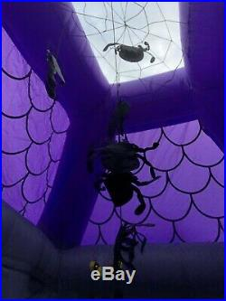 Gemmy Inflatable Halloween Airblown 17ft Haunted House (Comes withextra fan)