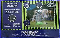 Gemmy Living Projection 9 Ft Beetlejuice Sandworm Tombstone Airblown Inflatable