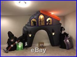 Gemmy Prototype Halloween Airblown Inflatable Animated Graveyard Archway Scene