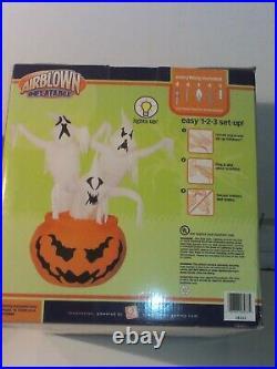 HALLOWEEN Gemmy Inflatable Ghost Pumpkin and Gargoyle Lights Speaks New Old Sto