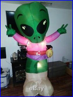 Super Rare Gemmy 7 ft inflatable peace sign alien as seen in Roswell NM blow up
