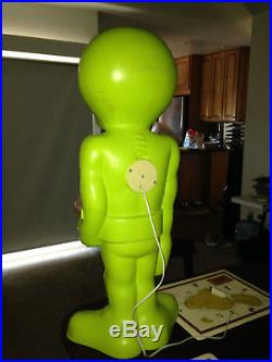 VTG RARE 36 Green Space Alien Plastic Blow Mold Light Up Yard Halloween Decor