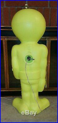 Very Rare 36 Green Plastic Blow Mold Light Up Space Alien Lawn Decor Halloween