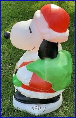 Vintage Santa Snoopy Lighted Christmas Blow Mold Lawn Decor Santa's Best 32